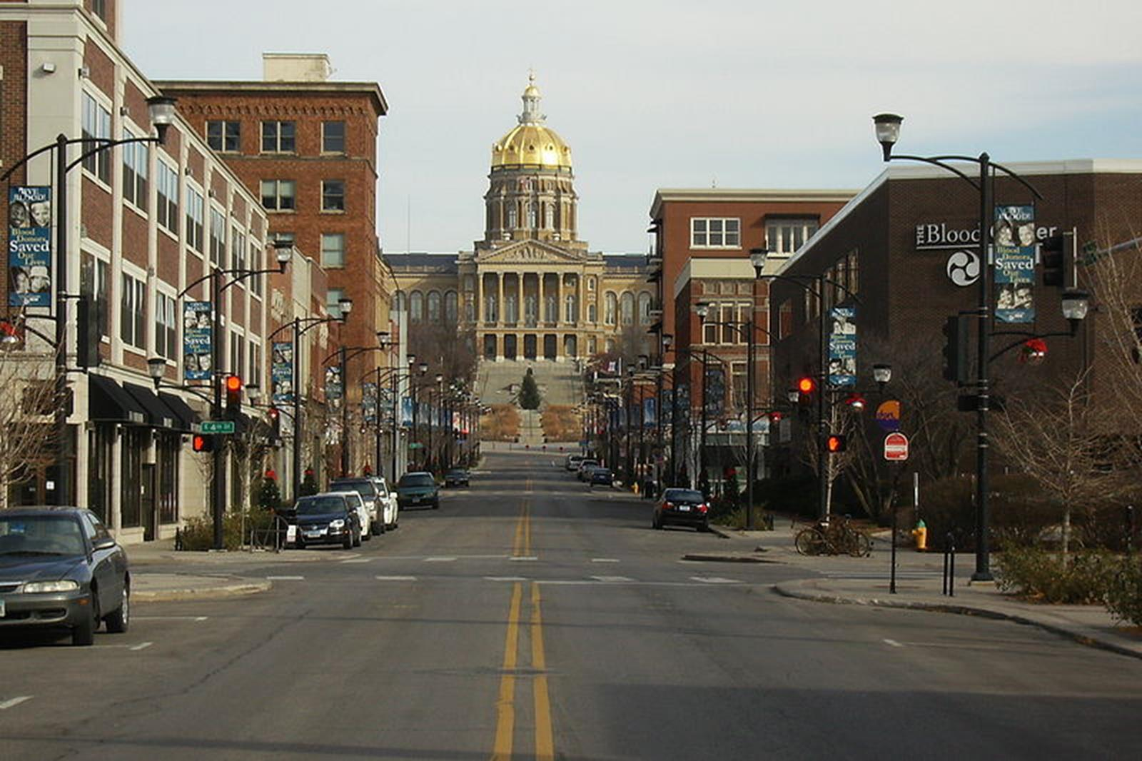 Student Travel to the Heart of Des Moines Iowa