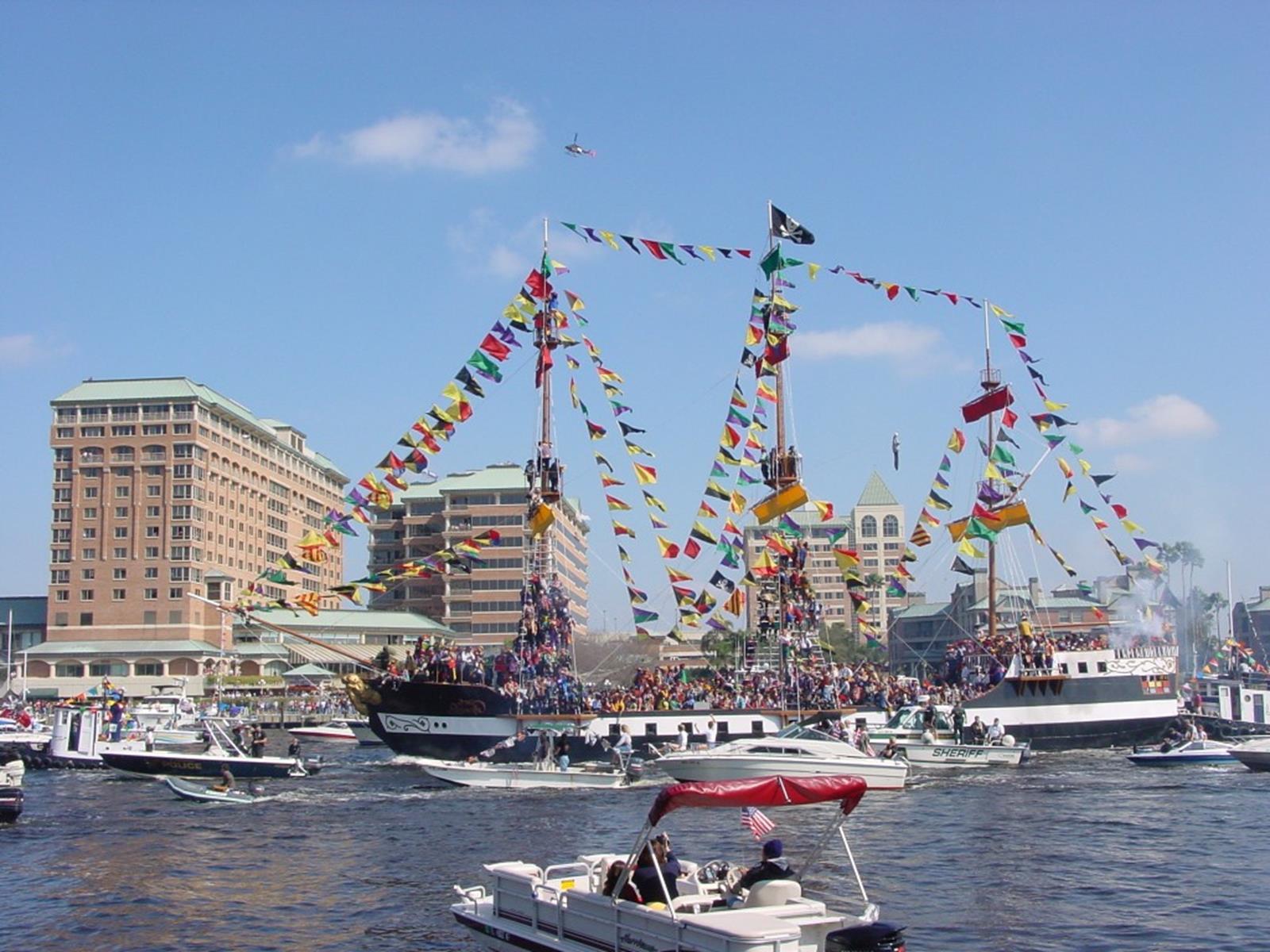 Gasparilla_Pirate_Fest_2003_-_Pirate_Flagship_Invading_Tampa