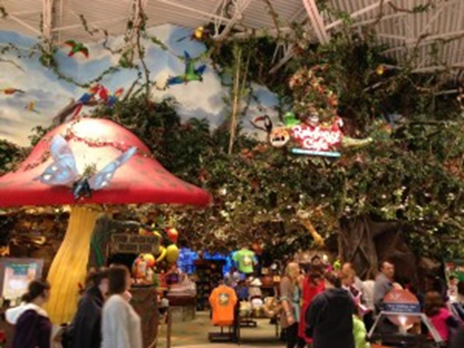 Rainforest Cafe in Nashville, Tennessee