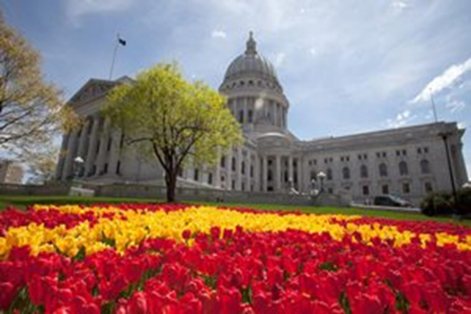 """Tour the Madison capitol building is in the shape of an """"X."""" (Photo Courtesy of Greater Madison CVB/ John Maniaci)"""