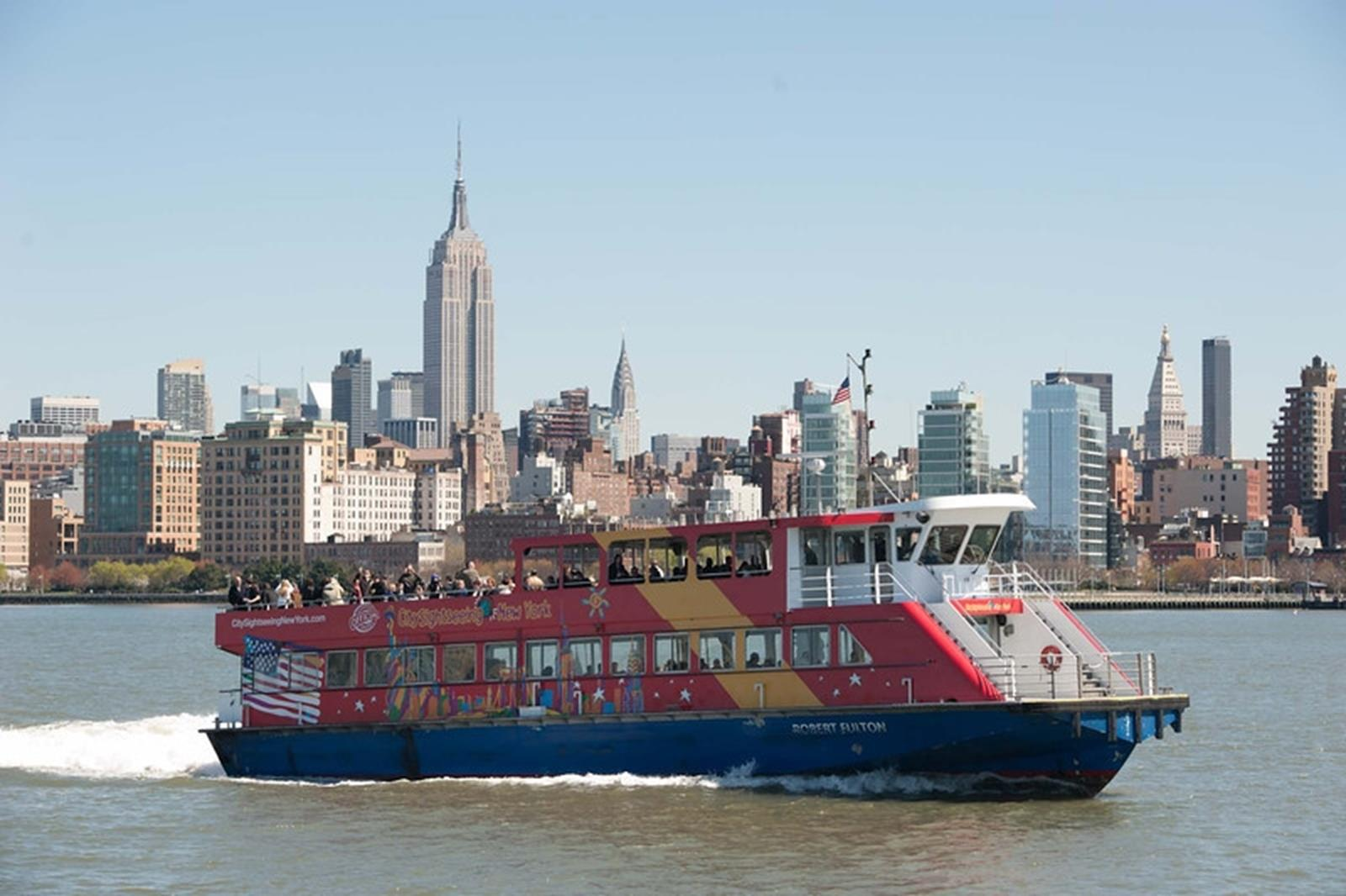 CitySightseeing New York® cruises feature panoramic views of the city skyline.