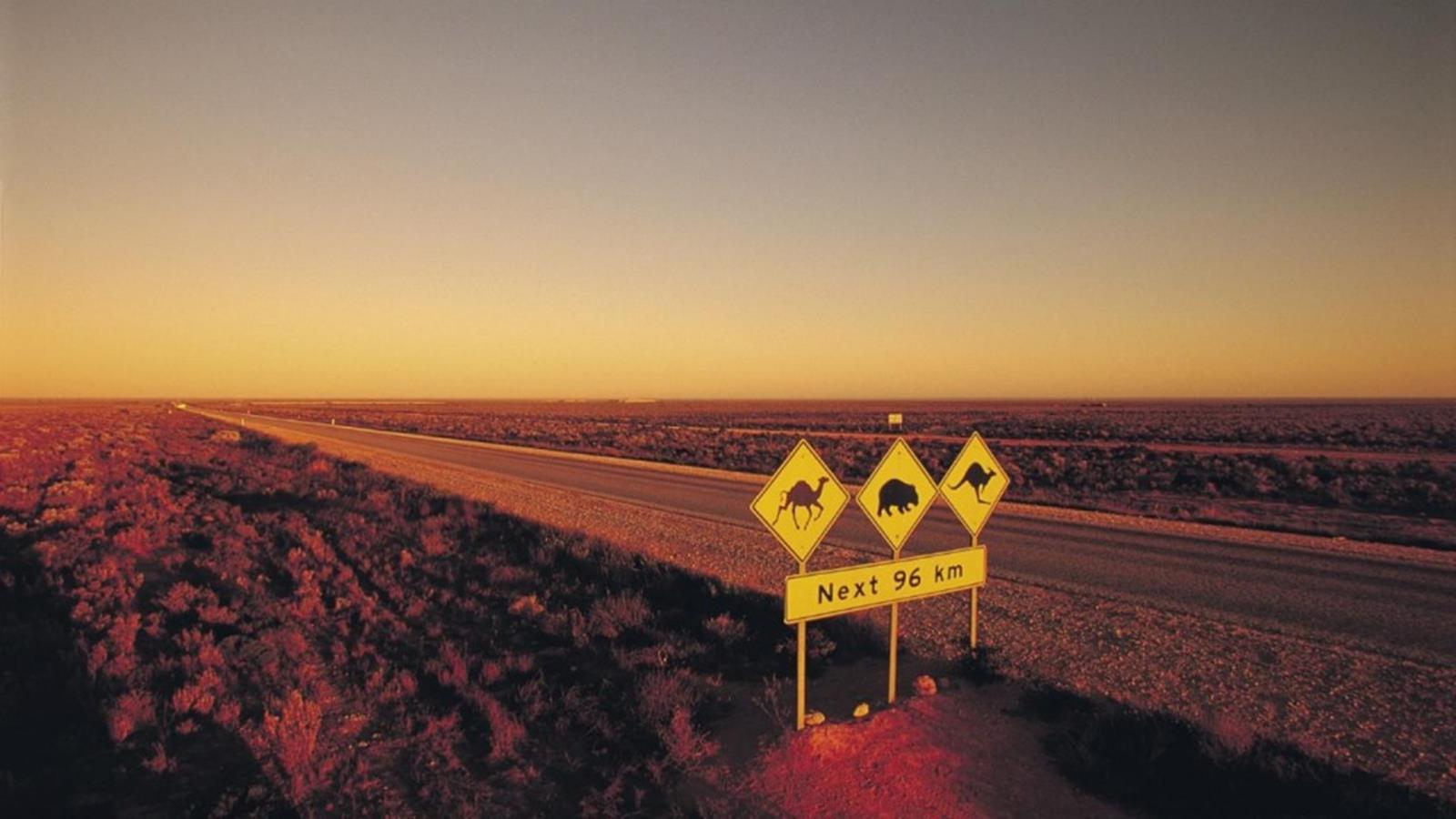 Credit http://www.australia.com/content/australia/en/itineraries/crossing-nullarbor/jcr:content/hero/image.adapt.1663.medium.jpg