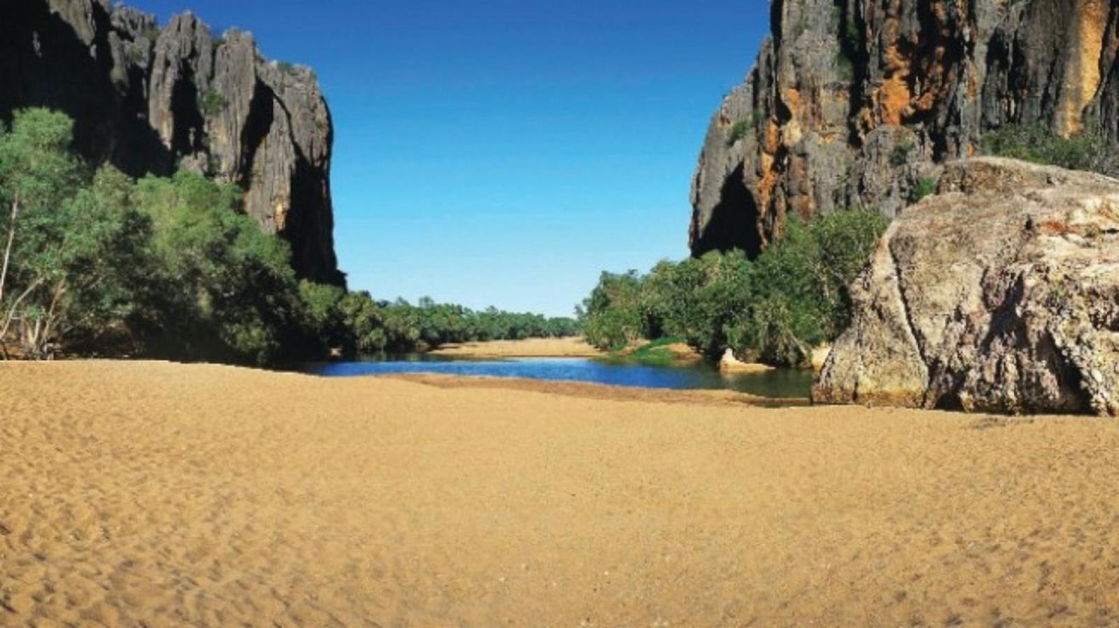 Credit http://www.australia.com/content/australia/en/itineraries/wa-gibb-river-rd/jcr:content/hero/image.adapt.1663.medium.jpg