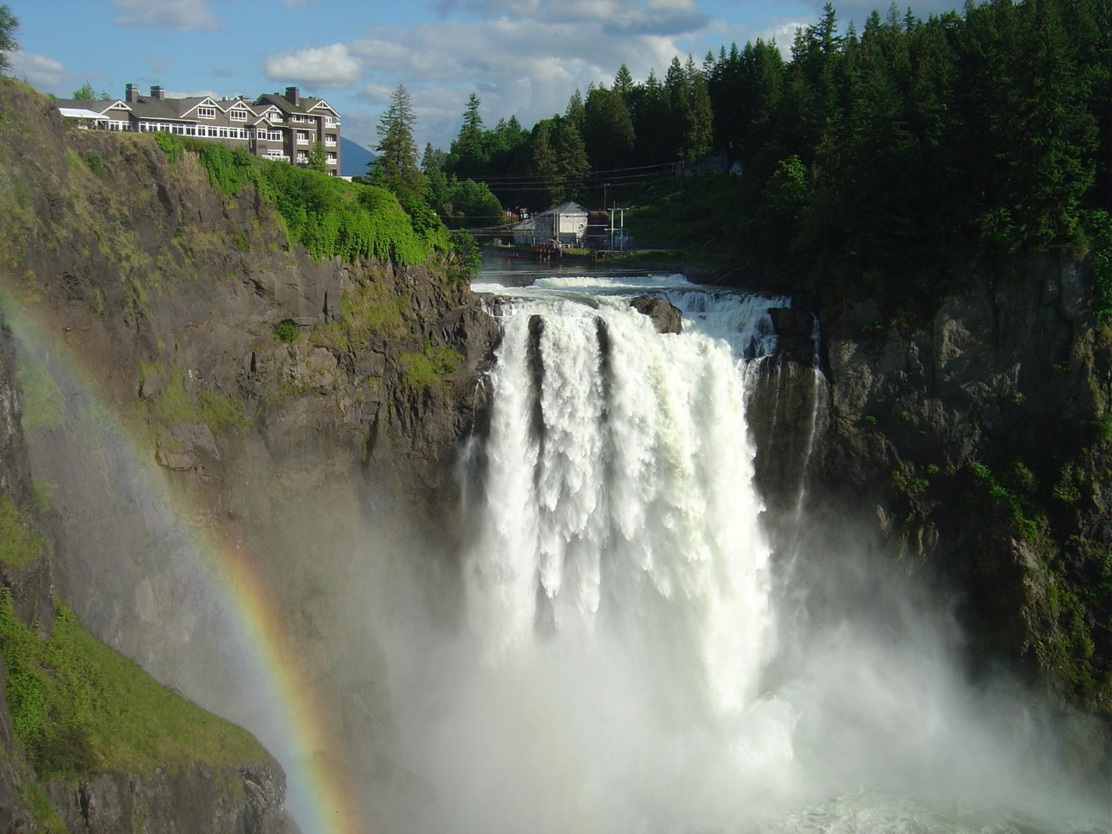 Snoqualmie Falls. Credit Cefka at en.wikipedia.