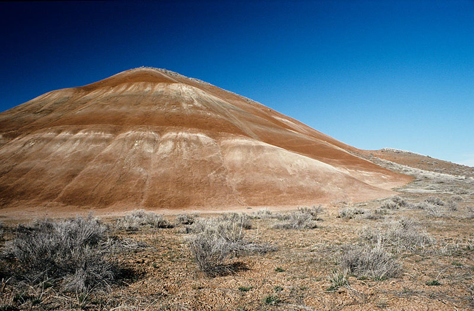 Central Oregon Painted Hills. Credit: CopyrightFreePhotos.HQ101.com
