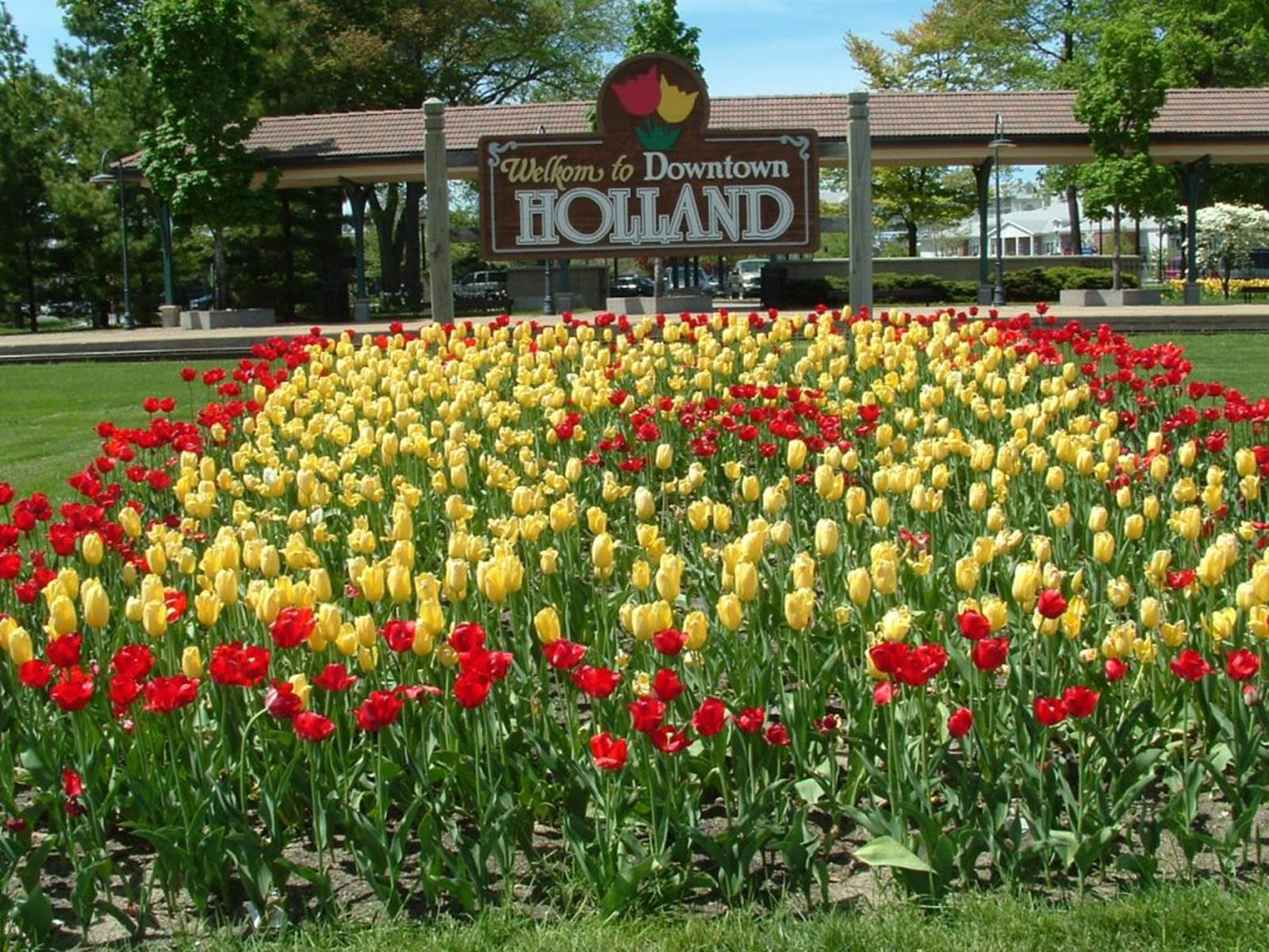 Holland's Tulip Time Festival. Credit BazookaJoe at en.wikipedia