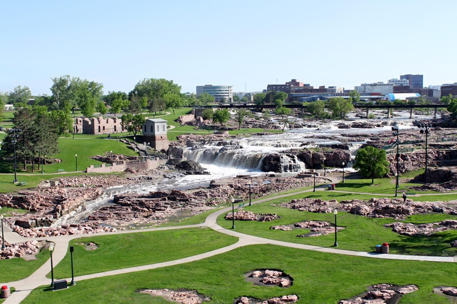 Falls National Park. Credit: Sioux Falls Convention & Visitors Bureau