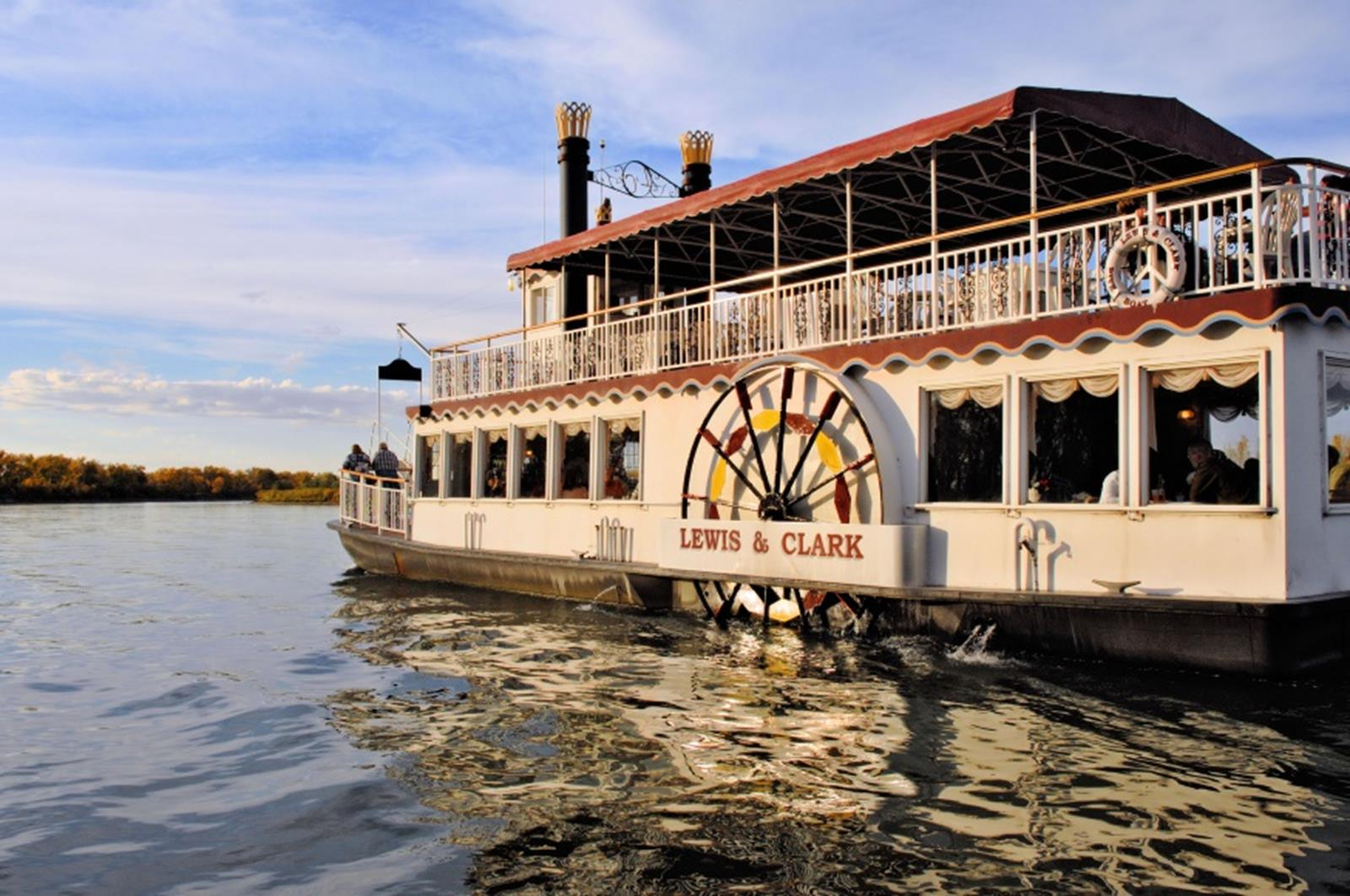 Lewis & Clark Riverboat Cruise, floating along the Missouri River. Credit: Lewis & Clark Riverboat