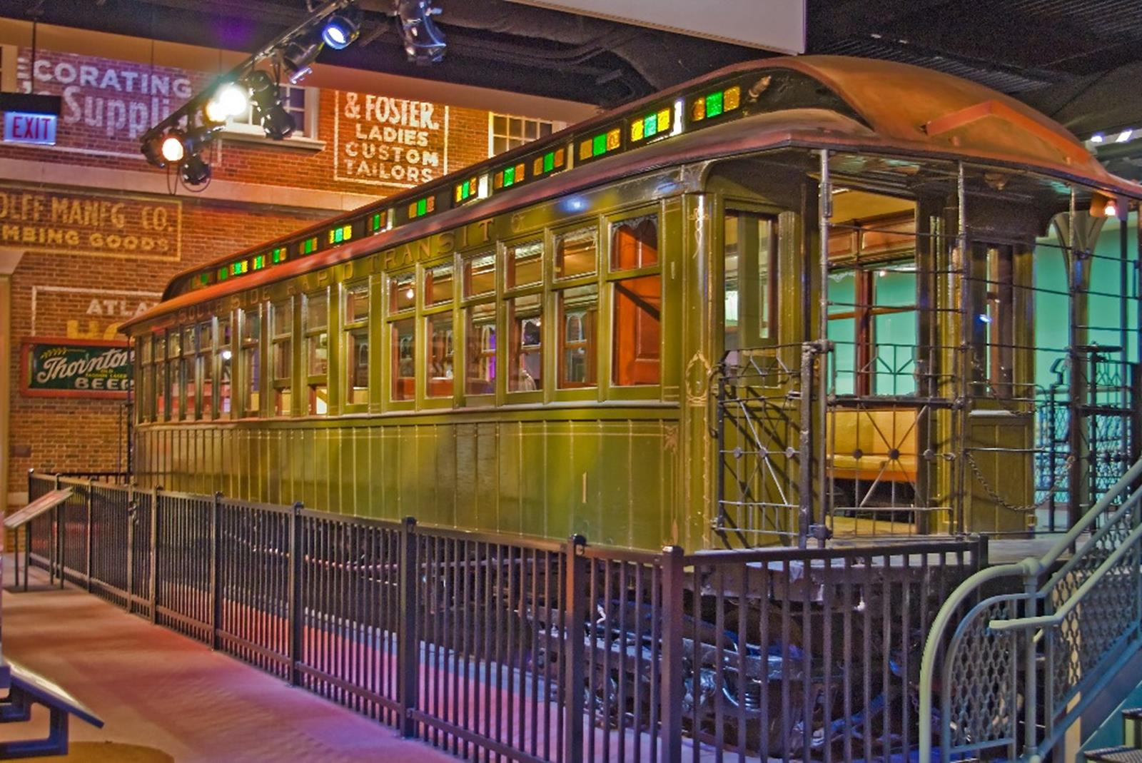 South Side Elevated Railroad Car - Chicago History Museum
