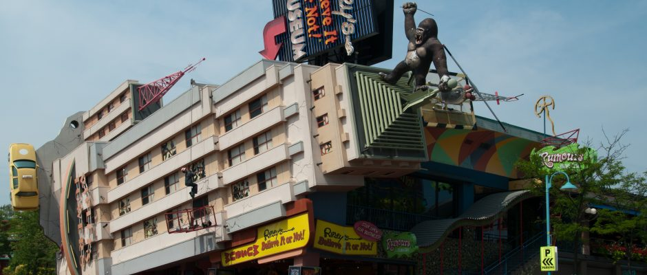 Ripley's famous Niagara Falls location features King Kong toppling the Empire State Building