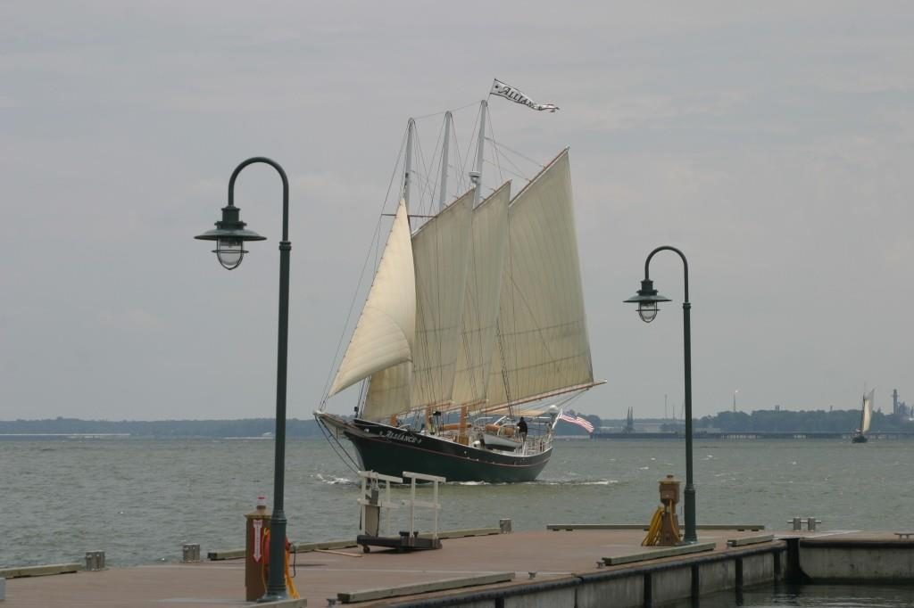 Alliance-sailing-by-Riverwalk-1024x682
