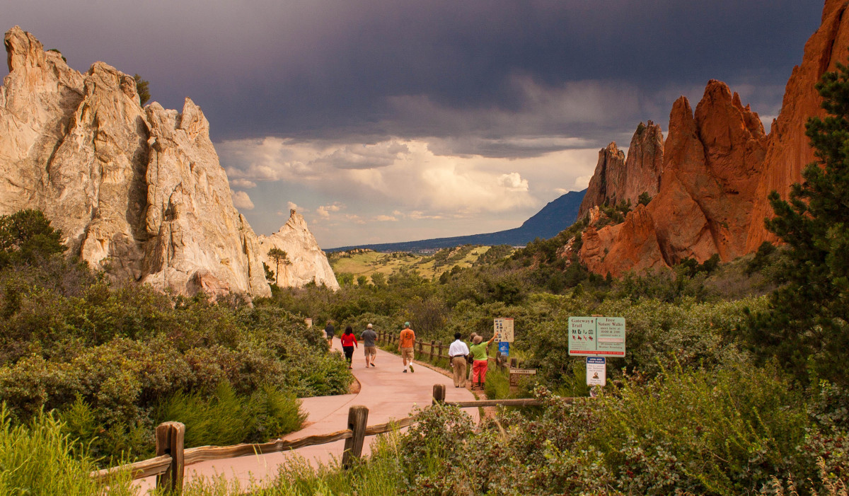 12 Unforgettable Colorado Attractions for Students