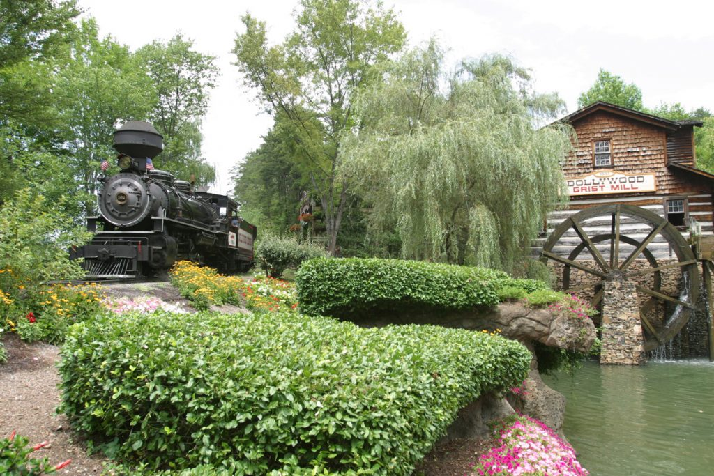 Dollywood - Dollywood Express and Grist Mill