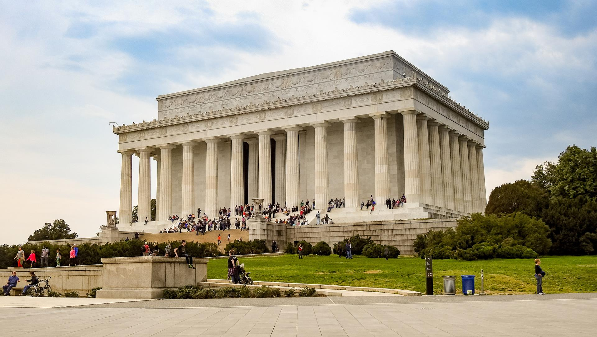 8 Exceptional History Destinations for Student Groups