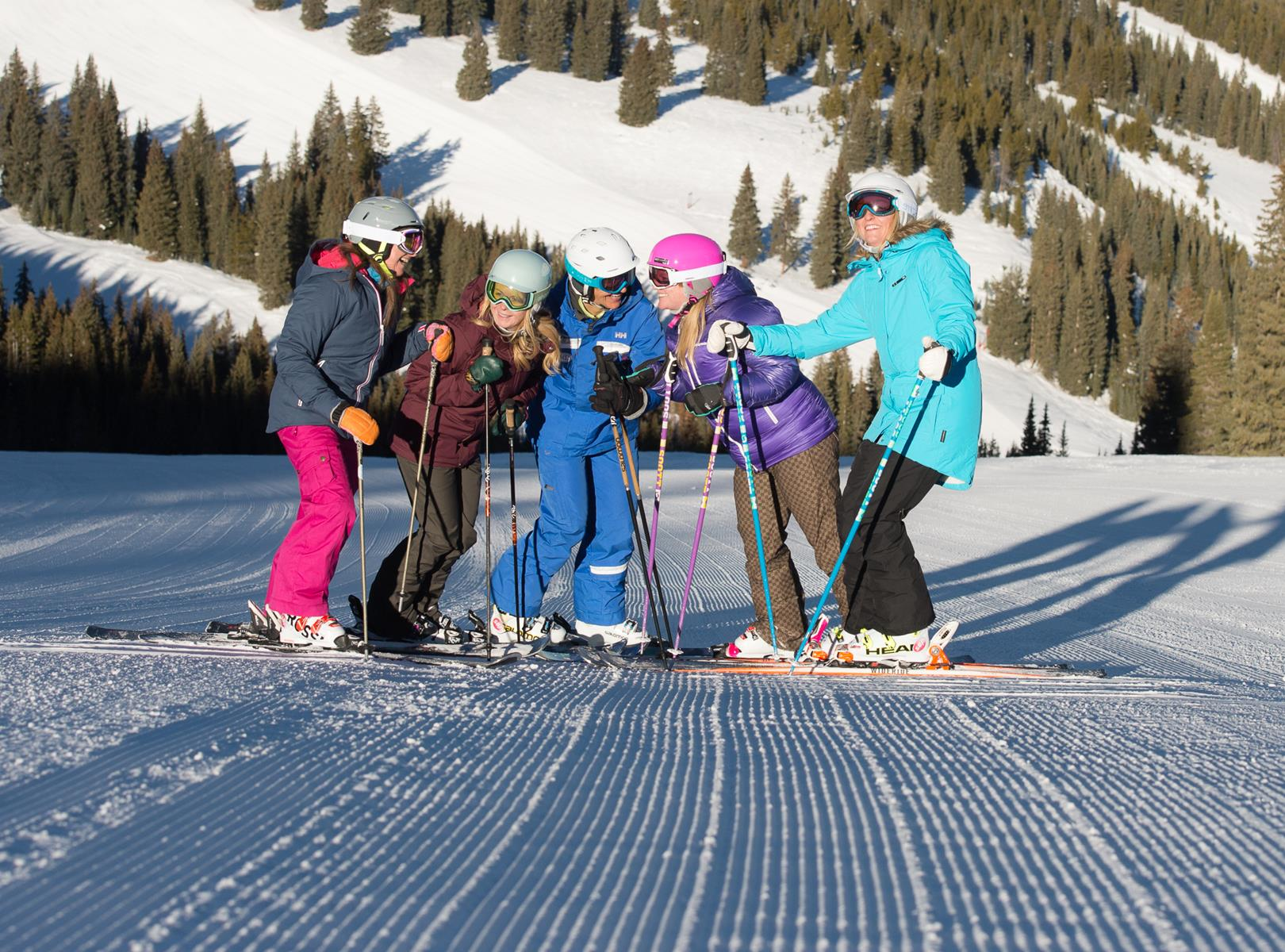 5 Reasons to Choose a Ski Holiday for Your Next Student Trip