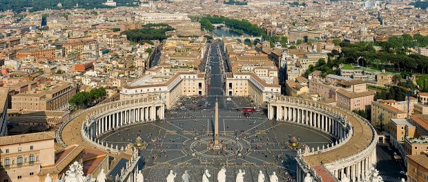 https://en.wikipedia.org/wiki/Vatican_City#/media/File:St_Peter%27s_Square,_Vatican_City_-_April_2007.jpg
