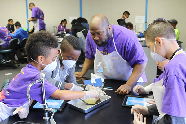 The Bridge Builders Foundation promotes STEM programs to African American youths