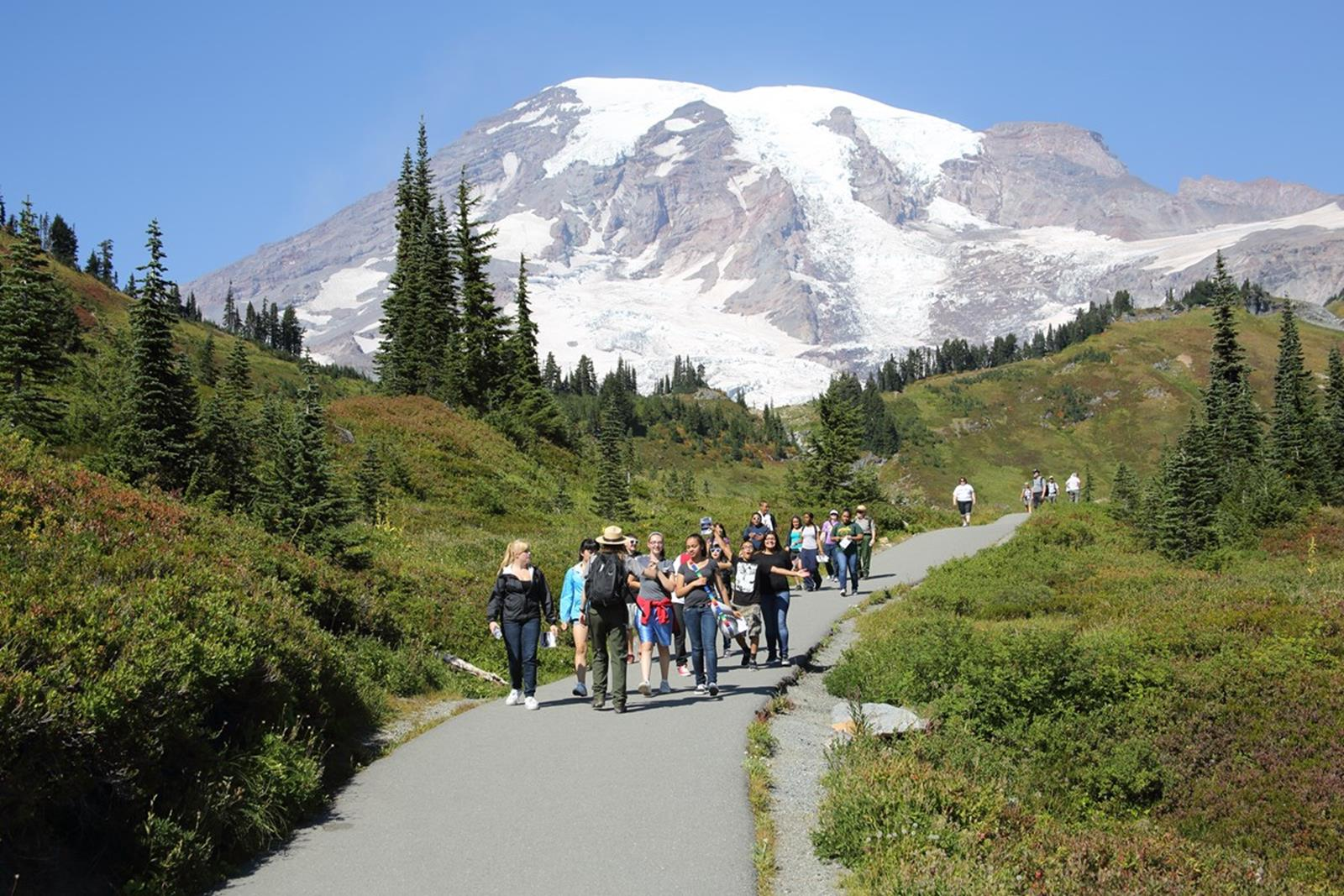 Aim for the Skies on Your Seattle Student STEM Tour