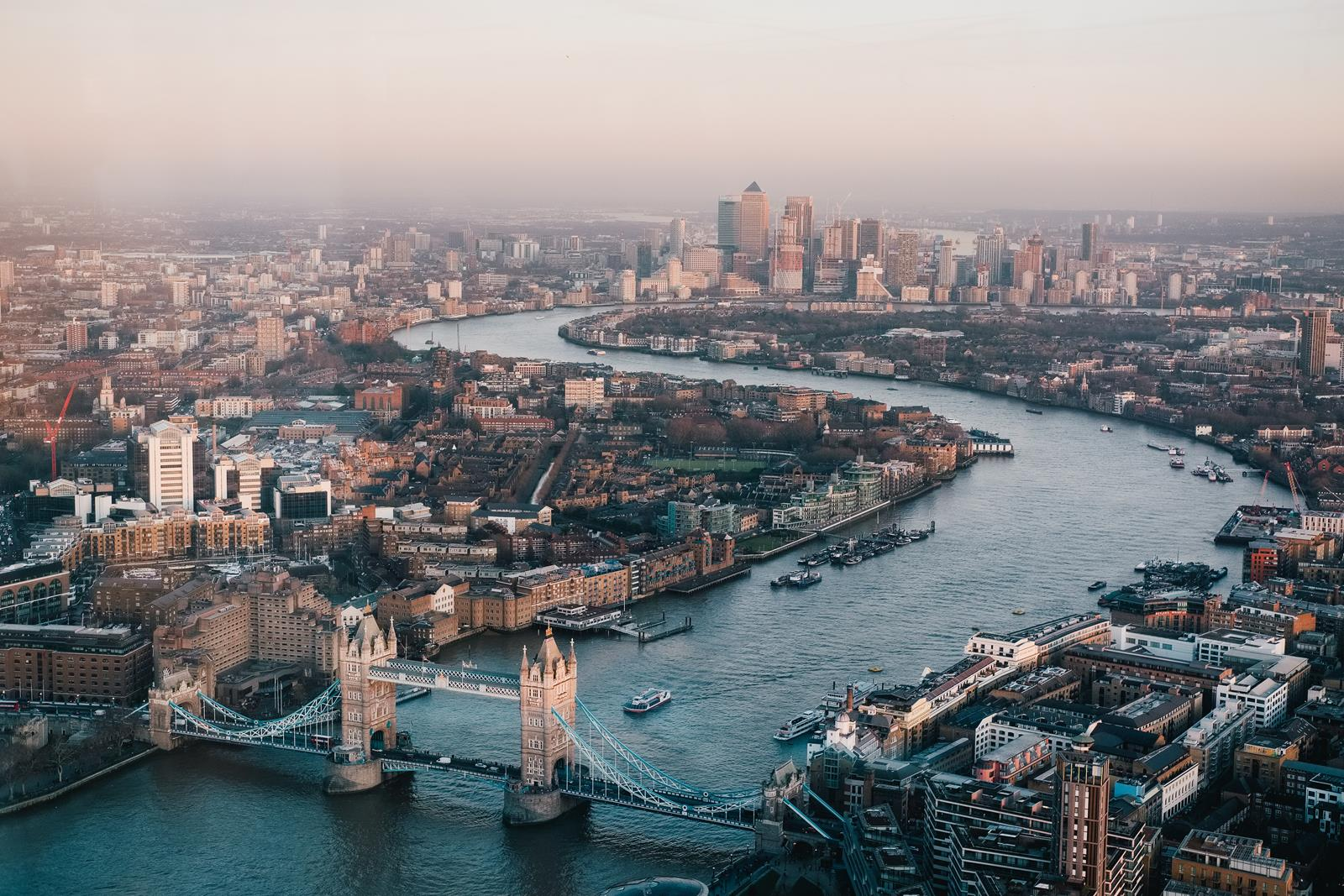 A Student's Guide to Surviving London