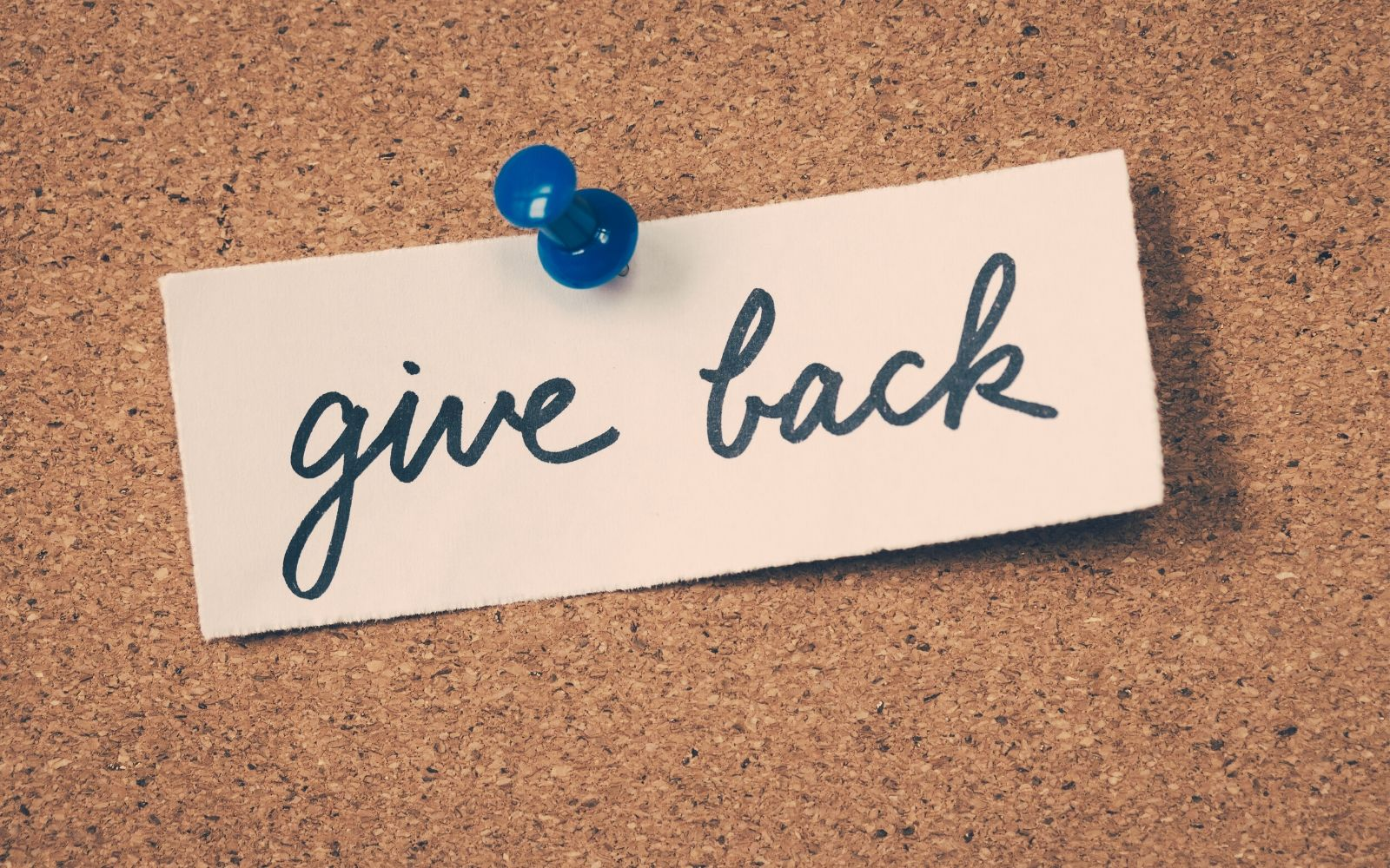 6 Essential Ways to Get Students Interested in Giving Back