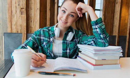 7 Simple Tips and Tricks to Stay Motivated to Handle Your Homework